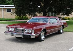 ✿1976 Ford Thunderbird✿ Old American Cars, American Classic Cars, Ford Motor Company, Dodge, Old Fashioned Cars, 70s Cars, Ford Lincoln Mercury, Old Fords, Ford Thunderbird