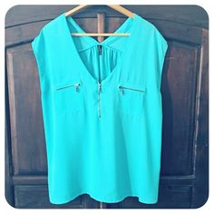 Maurice's like new blouse Excellent condition, worn maybe once. Color is turquoise, definitely more green that photos show. Gorgeous and true to size. Maurices Tops Blouses