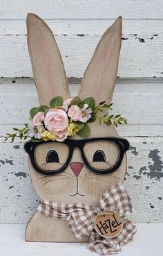 Bunny Crafts, Dyi Crafts, Crafts To Sell, Hanger Crafts, Rabbit Crafts, Diy Easter Decorations, Decorating For Easter, Handmade Decorations, Easter Projects
