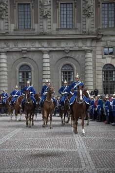 Guards outside of the Royal Palace in Stockholm.  #PinStockholm