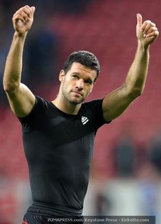 ballack be my baby Germany Football Team, Football Is Life, Team Player, Football Players, Michael Ballack, German National Team, International Teams, Chelsea Fc, Man Alive