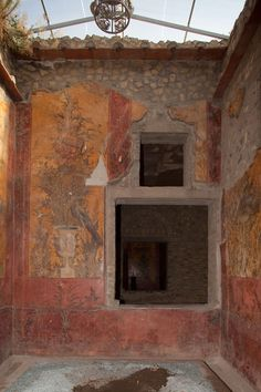 Roman house - the ruins of Pompeii and other Campanian sites near Naples in Italy preserved by volcanic ash and lava - have left us a very good idea of what Roman houses looked like in the first century AD