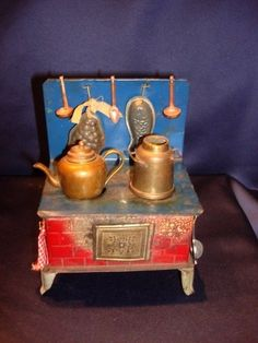 Antique C1910 Tin Toy Doll Dollhouse Kitchen Stove w Pots + Pans NiceCondition