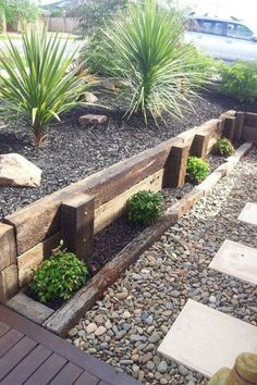 37 Gorgeous Front Yard Retaining Wall Ideas Perfect For Your Front House - _Selbstversorgung, Garten, Balkon - Garden Floor