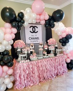 Chanel Birthday Party, Paris Themed Birthday Party, Chanel Party, 40th Birthday Parties, Slumber Party Decorations, 16th Birthday Decorations, Bolo Chanel, Chanel Cake, Birthday Goals