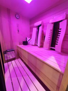 So kombinieren Sie eine Infrarotkabine mit einer Sauna richtig! Gerne beraten wir unverbindlich. Infos bei Gurtner Wellness. #infrarotkabine #tiefenwärmekabine #wärmekabine #sauna #kombisauna #Farblicht #wohnideen #innenarchitektur #design #designkabine #designsauna #saunadesign #Tiefenwärme