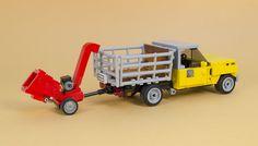 LEGO farm truck pulls its weight Auto Lego, Legos, Lego Furniture, Lego Truck, Lego Pictures, Lego Activities, Lego Military, Lego Construction, Lego Worlds