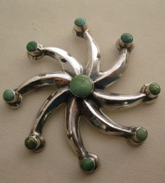 OLD PAWN SOUTHWEST SANDCAST STERLING SILVER GREEN TURQUOISE STAR PINWHEEL BROOCH