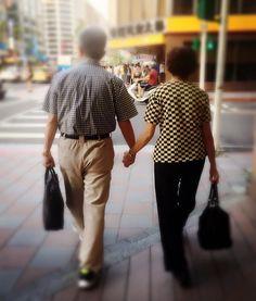 結婚 X 牽手  大家都下班了嗎小安 在趕下個行程時就看到了前面那對 #老夫婦緊緊握住彼此的手那樣的感覺是如此的美好且 #幸福 結婚不就是為了和最愛的另一半緊緊的牽著彼此的手嗎 和你們分享這簡單卻讓人深刻的感受 決定要結婚了嗎2018年的婚禮預約活動已經開跑囉想要和小安討論婚禮的快點私訊給我 與小安約會說悄悄話 http://ift.tt/2t53Eze http://ewigeliebe.tw/  美式戶外婚禮派對/活動統籌設計/公關企劃主持 安格儷柏 Ewige Liebe  如果你/妳對婚禮有極大的想法 如果你/妳想要獨一無二的回憶 如果你/妳期待婚禮是部經典的電影 如果你/妳渴望擁有自己的專屬故事 讓我們一起 把你們的故事 寫進婚禮中 編寫專屬你們的 經典 代表作 快動動你的小指頭與小安聯繫吧0  永恆的 代表作 安格儷柏 為你 #安格儷柏 #美式婚宴 #戶外婚禮  #婚禮總籌 #婚禮顧問 #婚禮企劃  #婚禮主持 #主題婚禮 #古禮引導 #文定儀式 #迎娶儀式 #松菸文創 #文創婚禮 #婚禮派對 #永恆的愛 #結婚 #訂婚 #婚紗 #婚禮場地 #宴客場地 #婚禮布置…