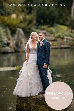 Cena: 600 € Silueta: A-Línia Veľkosť na štítku: 38 (EU) Značka/dizajnér: @victoriasopranogroup Stav: Použité (oblečené na svadbe) #svadobnesaty #svadba #nevesta #weddingdress #wedding #bride Silhouettes, Victoria, Wedding Dresses, Fashion, Simple Lines, Bride Dresses, Moda, Bridal Gowns, Fashion Styles