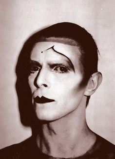 --Original New Romantics make-up David Bowie