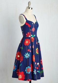 You're no stranger to fateful fashion finds, and this navy blue dress is consistent with your luck. This ModCloth namesake label A-line is equipped with a sweetheart neckline, gathered waist, and pockets, plus the most momentous floral print that fills your day with color!