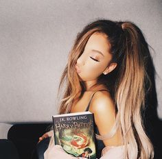 #Arigrande ariana grande and book harry potter