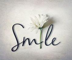 ¡Feliz inicio de semana! No olviden que sonreír es la mejor terapia antienvejecimiento  #Lunes #Monday #Smile #Sonreir #Juventud #Belleza #Like4like #Happiness #Flower #Love #Life #Vida #Panama #InstaLove #BodyAndMind