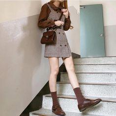 Korean Fashion Trends you can Steal – Designer Fashion Tips Kawaii Fashion, Cute Fashion, Look Fashion, Girl Fashion, Fashion Outfits, Fashion Design, Fashion Shoes, Korean Fashion Trends, Korean Street Fashion