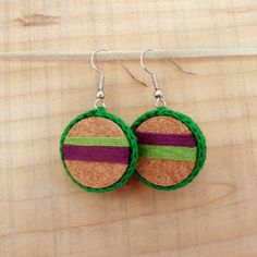 Learn how to make these handmade earrings with wine cork and thread!