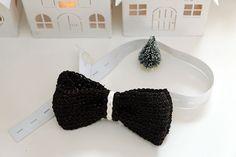 Patroon vlinderstrikje haken - Jip by Jan Knitting, Crochet, Fashion, Characters, Crochet Hooks, Moda, Tricot, Fashion Styles, Stricken