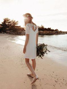 Robe de mariée courte Promod White Dress, Silhouette, Couture, Wedding Dresses, Celine, Inspiration, Fashion, Bridal Gowns, Xmas