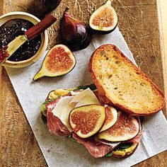 Prosciutto, Fresh Fig, and Manchego Sandwiches. Prosciutto and fresh figs are a classic Italian combination. Here, along with Manchego cheese and fig jam, they create a sweet-savory sandwich that's simple yet memorable. Fig Recipes, Healthy Recipes, Great Recipes, Favorite Recipes, Pan Relleno, Easy Sandwich Recipes, Cooking Light Recipes, Cooking Tips, Little Lunch