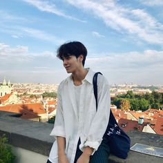 This College Student Is Korea's New Standard For The Perfect Boyfriend Cute Asian Guys, Asian Boys, Asian Men, Cute Guys, Korean Boys Ulzzang, Cute Korean Boys, Ulzzang Boy, Korean Fashion Men, Korean Men