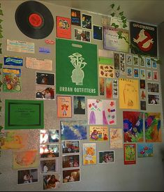 Indie Bedroom, Indie Room Decor, Cute Room Decor, Aesthetic Room Decor, Aesthetic Indie, Indie Dorm Room, Aesthetic Collage, Urban Outfitters, Estilo Indie
