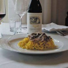 tajarin al burro con tartufo bianco d'Alba  http://www.ilcastellodimarisa.com/