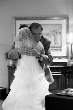 father of the bride & bride final goodbye to the first man she loved ~ so cute