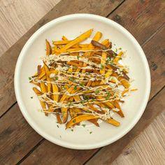 Zoete aardappelfriet met truffelmayonaise