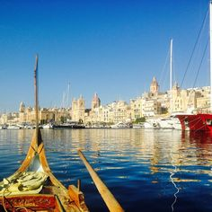 A private harbor cruise around the old medieval cities of #Malta with a captain who also used to live in Taiwan for only €10? Yes #maltaismore