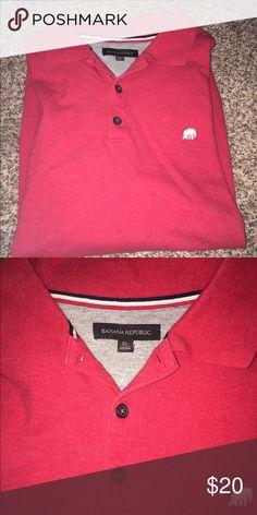 Banana Republic short sleeve Polo!👕 Banana Republic short sleeve Polo! Only worn a few times! Banana Republic Shirts Polos