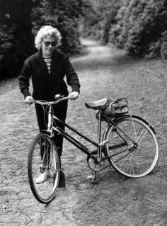 Marilyn Monroe and her bicycle