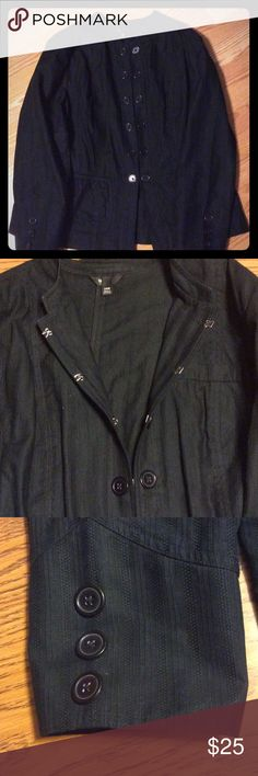 Mossimo Casual Black Blazer Super Cute Black Casual Mossimo Blazer. Size 24W.  Absolutely love this and only worn a few times.  Looks brand new.  No rips, tears or stains.   Comes from a smoke free home! Mossimo for Target Jackets & Coats Blazers