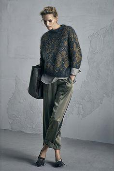Guarda la sfilata di moda Brunello Cucinelli a Milano e scopri la collezione di abiti e accessori per la stagione Collezioni Autunno Inverno 2017-18.