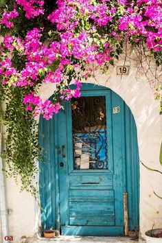 Innovative Architecture, Architecture Details, Front Doors, Windows And Doors, Courtyards, Greek Islands, Balcony, Origami, Buildings
