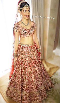Outfit: Sabyasachi Mukherjee | MUA & 📷: Natasha Moor