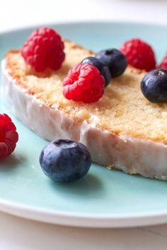 Lemon Loaf Cake with Lemon Glaze Return To Sunday Supper Summer Desserts, Just Desserts, Delicious Desserts, Yummy Food, Cupcakes, Cupcake Cakes, Lemon Loaf Cake, Lemon Bread, Pound Cake