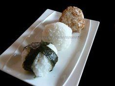 Onigiri, boulettes de riz au saumon et brocolis