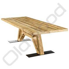 """Nieuw model! Industriele robuuste tafel """"The Flying Dutchman"""".<br /> Deze eiken tafel heeft een onderstel gebaseerd op een vliegtuigonderstel. <br /> Uniek, stoer en robuust zijn eigenschappen die op deze tafel van toepassing zijn."""