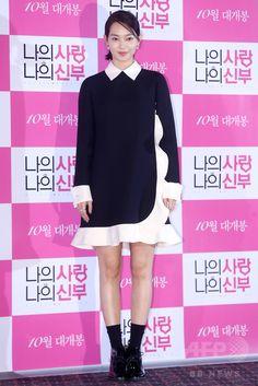 韓国・ソウル(Seoul)で行われた、映画『私の愛、私の花嫁(My Love, My Bride)』のメディア試写会に臨む、女優のシン・ミナ(Shin Min-a、2014年9月24日撮影)。(c)STARNEWS ▼26Sep2014AFP|24年ぶりのリメーク映画『私の愛、私の花嫁』、 試写会開催 http://www.afpbb.com/articles/-/3027125