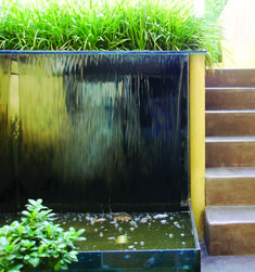 Garden Wall Water Features Ideas - When I go to see a friend or relative and that I know they've a Garden Water fountain, Indoor Water Garden, Garden Water Fountains, Indoor Water Features, Water Features In The Garden, Water Curtain, Tabletop Water Fountain, Fountain Ideas, Fountain Design, Indoor Fountain