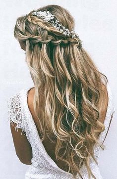 35 Bridal Wedding Hairstyles for Long Hair to Stand You Out - Strona 2 z 4 http://www.deal-shop.com/product/60-modern-twists-on-the-classic-hairstyle/