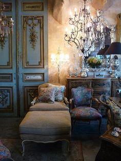 From the online shop Vintage Glamour (http://www.vintageglamour.com.au/index.php) via dreamlifeinthecity.blolgspot.com