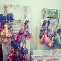 Atelier Little Things Textiles, Bohemian Gypsy, Love Crochet, Craft Fairs, Little Things, Ideas Para, Tassels, Kids Room, Weaving