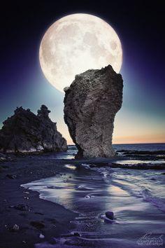 Full Moon - Manaca rock beach, Mojacar, Andalucia, Spain. http://www.mediteranique.com/hotels-spain/