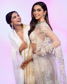""", Deepika reacted in Madame Tussauds after seeing her wax statue. Recently Deepika Padukone unveiled her wax statue at Madame Tussauds Museum […] Bollywood Stars, Bollywood Fashion, Bollywood Celebrities, Bollywood Actress, Wax Statue, Dipika Padukone, Deepika Padukone Style, Ranveer Singh, Deepika Ranveer"