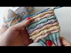 Hier kommt ein neues Sockenmuster, nur aus rechten Maschen gemacht und daher per… Here comes a new sock pattern, made only of right-hand stitches and therefore perfect for TV knitting. Knitting Videos, Knitting Stitches, Knitting Socks, Stitch Patterns, Knitting Patterns, Crochet Patterns, Crochet Amigurumi, Knit Crochet, Crochet Double