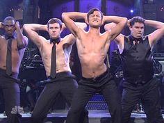 "Joseph Gordon-Levitt Does ""Magic Mike"" On ""Saturday Night Live"" - The Frisky"