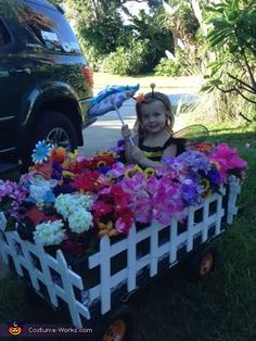 Baby Bumble Bee in the Garden - 2014 Halloween Costume Contest via @costume_works