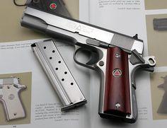 Colt Delta Elite 10mm 1911 Find our speedloader now! http://www.amazon.com/shops/raeind