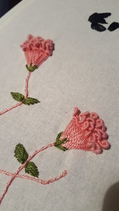 Hand Embroidery Patterns Embroidery Stitches Brazilian Embroidery 3 Needlework Elsa Ribbons Types Of Embroidery Dressmaking Brazilian Embroidery Stitches, Crewel Embroidery Kits, Embroidery Flowers Pattern, Learn Embroidery, Silk Ribbon Embroidery, Hand Embroidery Designs, Embroidery Needles, Local Embroidery, Embroidery Tattoo